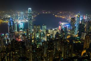 香港 ビクトリアピーク夜景の写真素材 [FYI00236871]