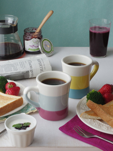 ふたりの朝食の写真素材 [FYI00237351]
