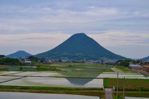 飯野山の写真素材 [FYI00237427]