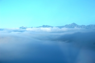 雲海と北アルプスの写真素材 [FYI00237877]