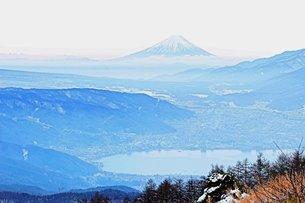 冠雪した美しい富士山の写真素材 [FYI00237974]