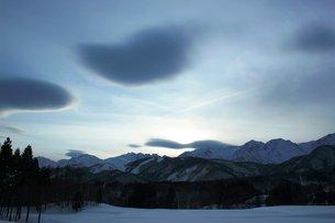 白馬の夕暮れの風景の写真素材 [FYI00238066]