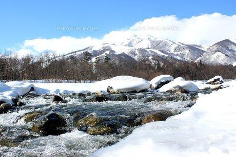 白馬の美しき雪景色の写真素材 [FYI00238323]
