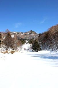 信州の美しい山笠岳の姿の素材 [FYI00238410]