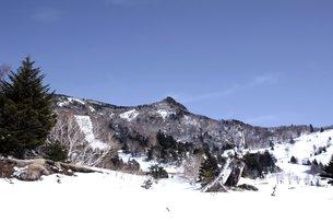信州山田牧場から見る笠岳の素材 [FYI00238413]