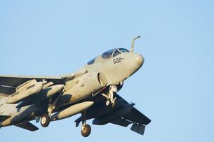 A-6プラウラーの離陸の写真素材 [FYI00238579]