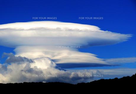 釣鐘雲の写真素材 [FYI00238684]