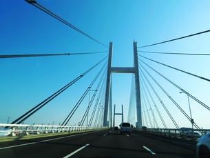 車中から見る横浜ベイブリッジの素材 [FYI00238686]