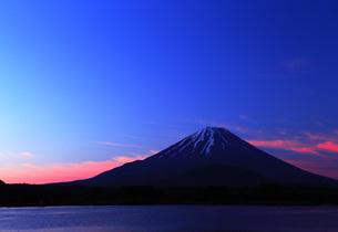 富士山の明け方の写真素材 [FYI00238709]