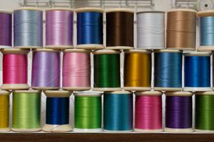 カラフルな糸の写真素材 [FYI00238820]