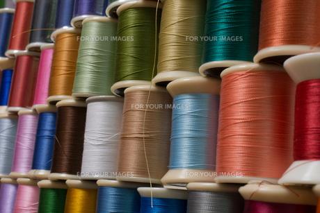 カラフルな糸の写真素材 [FYI00238843]