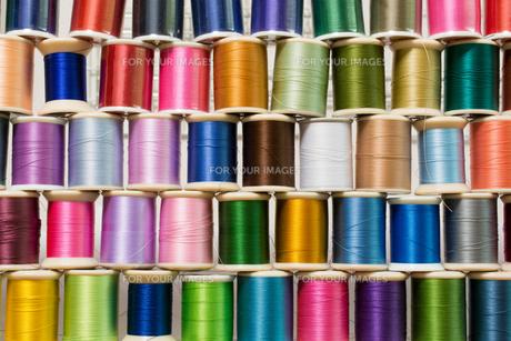 カラフルな糸の写真素材 [FYI00238849]