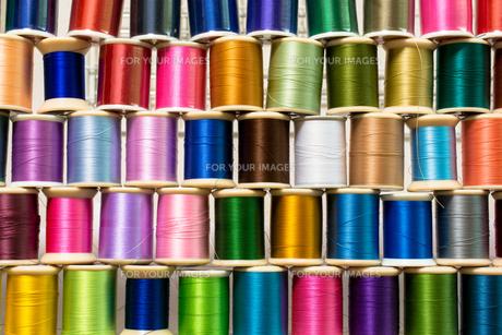 カラフルな糸の写真素材 [FYI00238855]