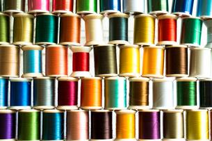 カラフルな糸の写真素材 [FYI00238863]