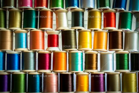 カラフルな糸の写真素材 [FYI00238864]