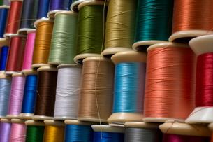 カラフルな糸の写真素材 [FYI00238868]