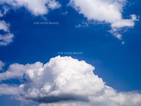 初夏の青空の写真素材 [FYI00238871]