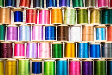 カラフルな糸の写真素材 [FYI00238881]