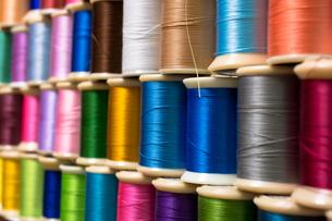 カラフルな糸の写真素材 [FYI00238884]