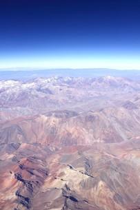 5000m級の山々が連なる晩秋のアンデス山脈の写真素材 [FYI00240331]