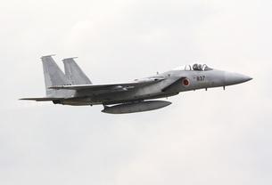 福岡県築城基地を離陸する航空自衛隊主力戦闘機F−15Jイーグルの写真素材 [FYI00240346]