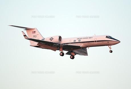 アメリカ海軍の人員輸送機C-20の写真素材 [FYI00240390]