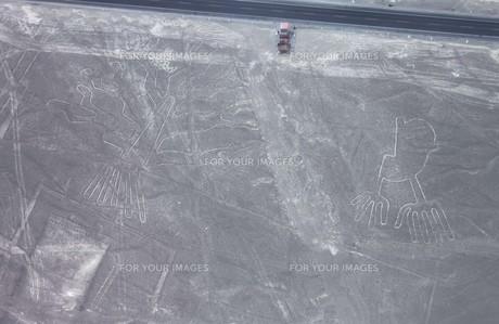 南米ペルーの世界遺産、ナスカの地上絵の空撮の写真素材 [FYI00240459]