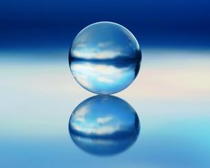 水晶の珠の写真素材 [FYI00240620]