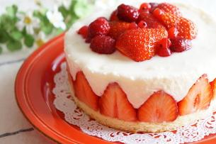 苺のケーキの写真素材 [FYI00242204]