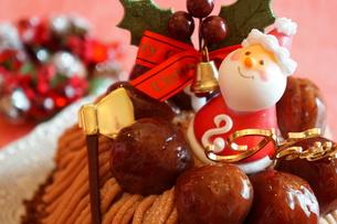 クリスマスのモンブランケーキの写真素材 [FYI00242241]
