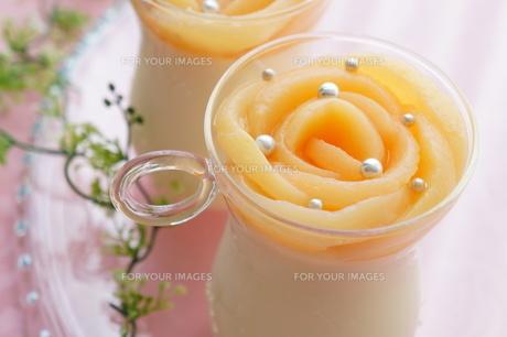 白桃のムースの素材 [FYI00242256]
