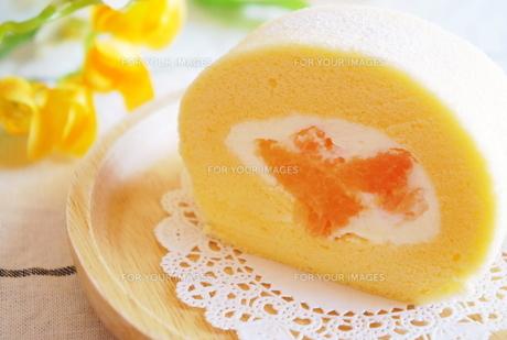 グレープフルーツのロールケーキの素材 [FYI00242275]