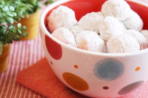 スノーボールクッキーの写真素材 [FYI00242301]