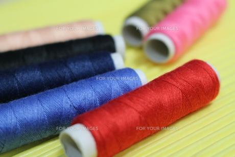 カラフルな糸の写真素材 [FYI00242675]