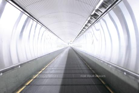 moving walkwayの写真素材 [FYI00243119]