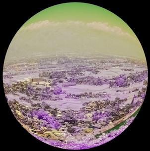 かすみがかった北アルプスの峰々と安曇野の写真素材 [FYI00243156]