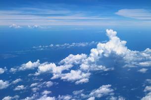 沖縄の上空 入道雲の素材 [FYI00243227]