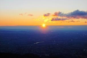 相馬山からの初日の出の素材 [FYI00244416]