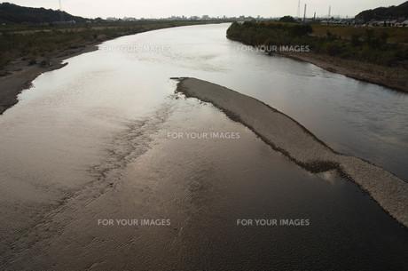 カーブを描く大河の素材 [FYI00244573]