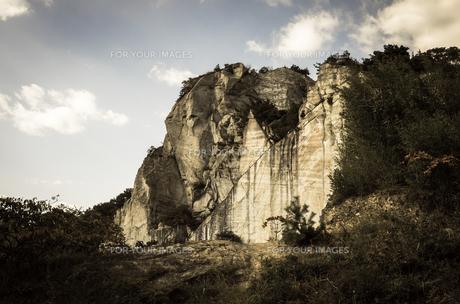 岩山の断面の素材 [FYI00244590]