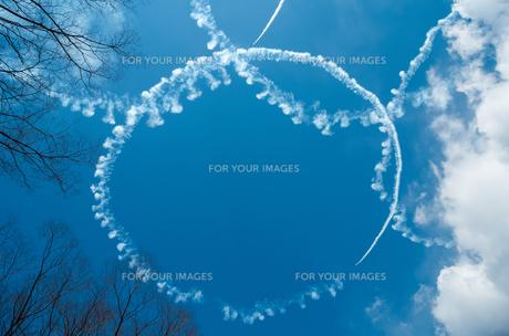 空に描かれた輪の素材 [FYI00244629]