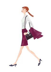 歩く女性の写真素材 [FYI00245508]