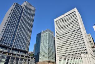 東京駅・新丸の内ビルの写真素材 [FYI00245643]