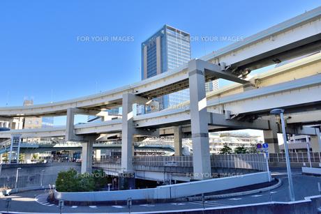 横浜駅前沿いを走る首都高速道路の素材 [FYI00245665]