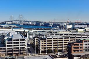 港の見える丘公園からの横浜ベイブリッジの素材 [FYI00245676]