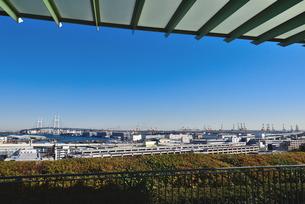 港の見える丘公園からの横浜ベイブリッジの素材 [FYI00245684]