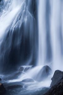 小野川不動滝の水流の素材 [FYI00245736]