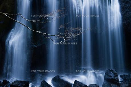 達沢不動滝の幻想的な水流の素材 [FYI00245742]
