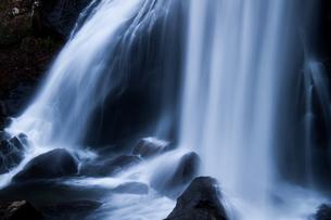 小野川不動滝の水流の素材 [FYI00245746]