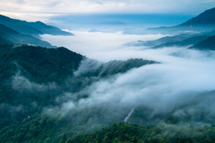 枝折峠 雲海と滝雲の素材 [FYI00245837]